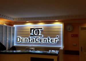Doosletters met licht Denta Center